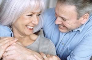 Счастливая пара в возрасте