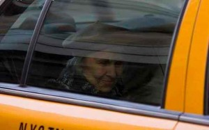 Старушка в такси